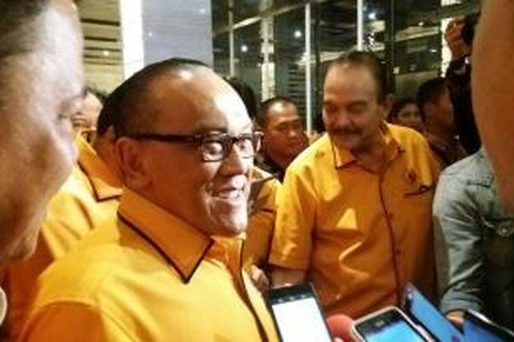Ketua Umum Partai Golkar versi Munas Bali, Aburizal Bakrie seusai acara pelantikan pengurus MKGR di Hotel Bidakara, Pancoran, Jakarta Selatan, Jumat (30/10/2015)