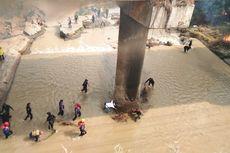 Sumpah Pemuda, Warga Ramai-ramai Bersihkan Sungai yang Tercemar di Purwakarta