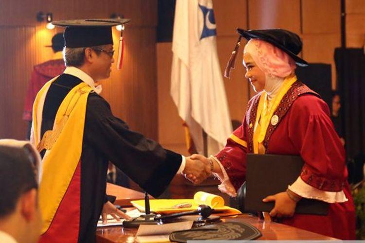 Unpad melantik 2.266 lulusan pada Wisuda Lulusan Gelombang IV Tahun Akademik 2017/2018.