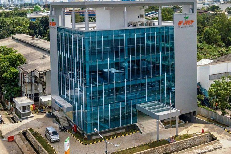 Salah satu kantor PT Jakarta Industrial Estate Pulogadung (JIEP).