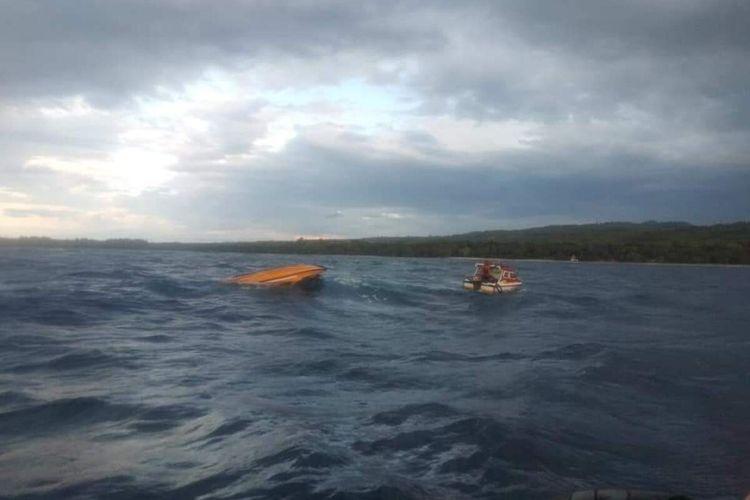 Sebuah speedboat pengantar jenazah tenggelam di peraiaran antara Pulau Seram dan Pulau Haruku, Sabtu petang (27/2/2021)