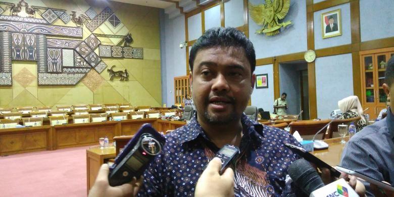 Presiden KSPI Said Iqbal saat Rapat Dengar Pendapat Umum (RDPU) terkait TKA dengan Komisi IX DPR di Gedung Parlemen, Senayan, Jakarta, Senin (16/1/2017).