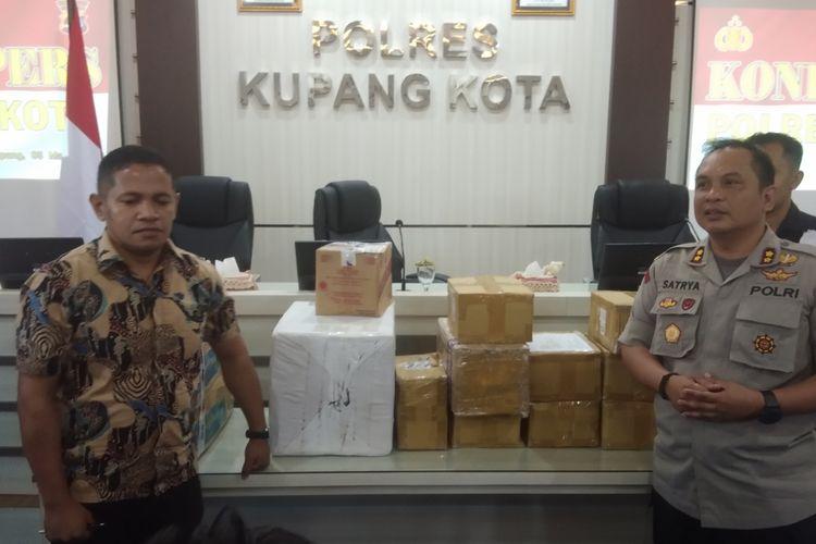 Kapolres Kupang Kota AKBP Satrya Perdana P Tarung Binti, saat menggelar jumpa pers di Mapolres Kamis (5/3/2020) sore.
