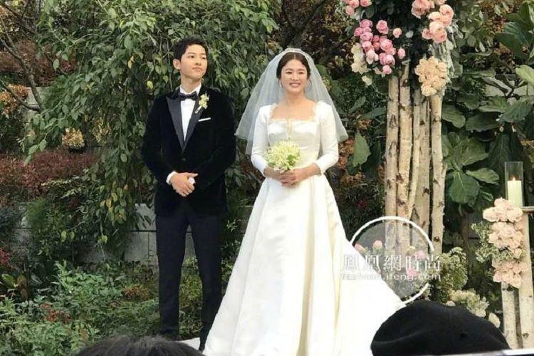Song Joong Ki dan Song Hye Kyo menikah di Seoul, Korea Selatan, Selasa (31/10/2017).