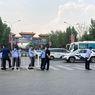 Tanggapi Klaster Baru Covid-19, Para Pengantar Paket di Beijing Jalani Tes Swab