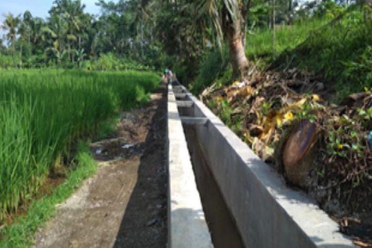 Salah satu kegiatan RJIT dengan memperbaiki saluran irigasi yang dilakukan Kementan.