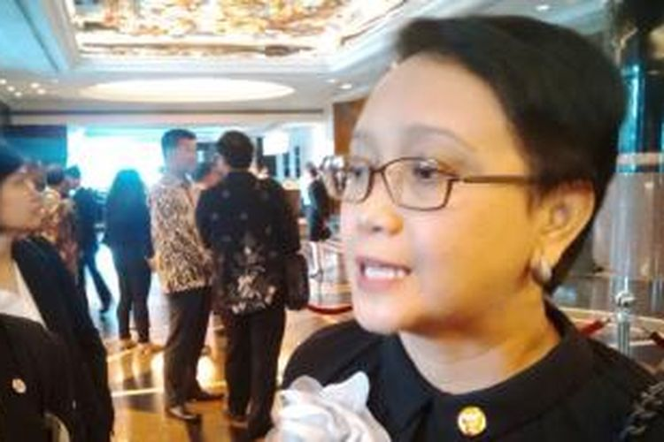 Menteri Luar Negeri Retno Marsudi saat di Manila, Filipina, Senin (9/2/2015).