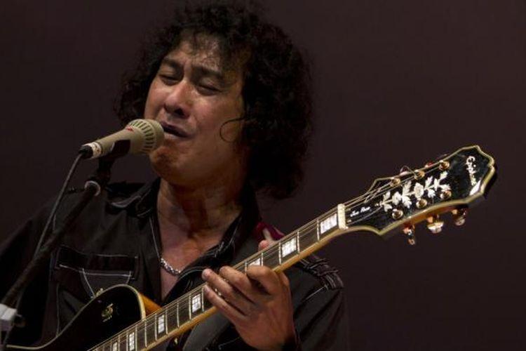 Mus Mujiono tampil di panggung Jakarta International Jazz Festival (JakJazz) 2012 di Istora Senayan, Jakarta Selatan, Minggu (21/10/2012) malam.