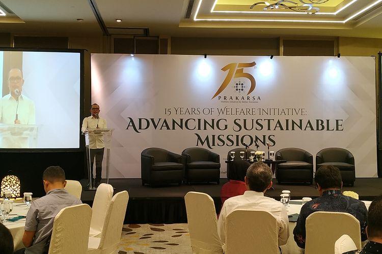 Menteri Ketenagakerjaan (Menaker) M. Hanif Dhakiri memberikan sambutan pada acara diskusi yang digelar Perkumpulan Prakarsa di Hotel Pullman, Jakarta, Selasa (17/9/2019).