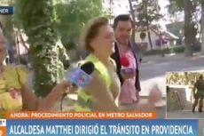 Wali Kota Chile Ini Berlari Menghindari Jurnalis di Tengah Wawancara
