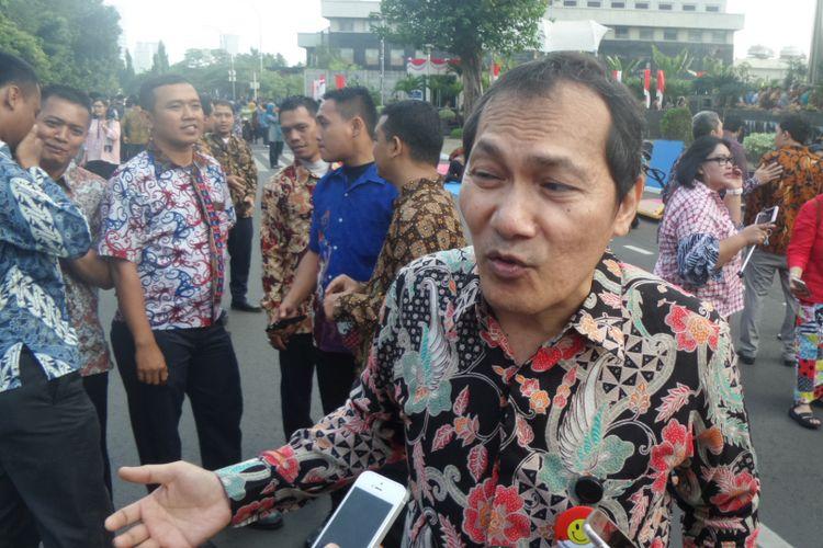 Wakil Ketua KPK Saut Situmorang di halaman Gedung KPK Jakarta, Kamis (17/8/2017).