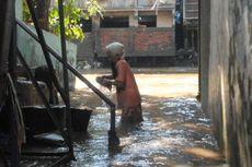Kebanjiran, Warga Kampung Melayu Tetap Rayakan Idul Adha