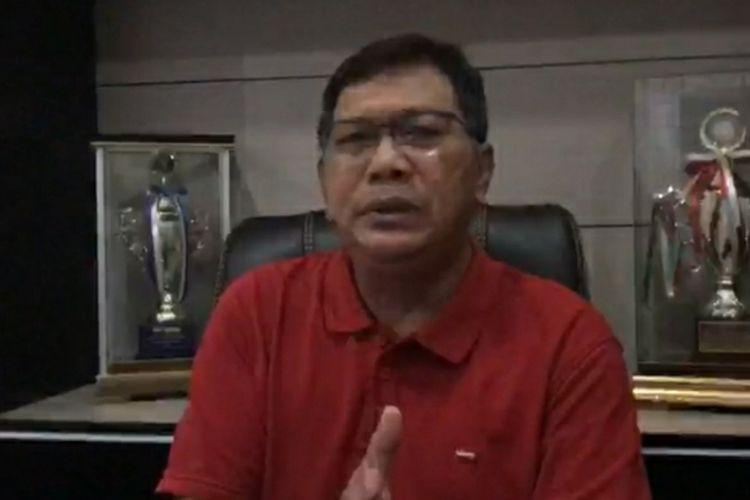 Plt Kalapas Kelas IIA Pekanbaru Alfonsus Wisnu Ardianto saat diwawancarai wartawan terkait penolakan tim Polda Riau yang ingin memeriksa seorang napi diduga pengendali narkotika, Jumat (30/10/2020).