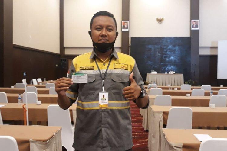 Peserta BPJS Kesehatan Azy Achzami Kahrir (31) sangat terbantu dengan kehadiran program JKN-KIS, Jumat (20/11/2020).