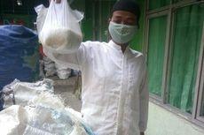 Zakat Fitrah dengan Sampah Plastik Bermula dari Keluhan Warga Tak Punya Uang
