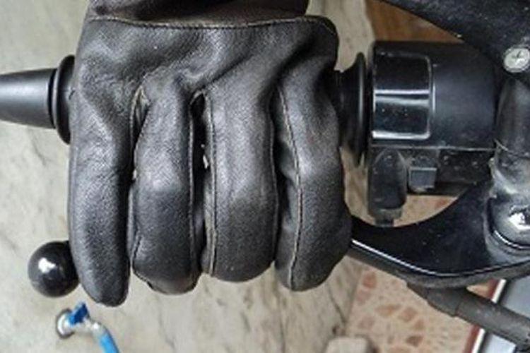 rem dengan empat jari