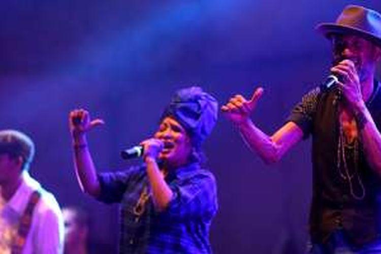 The Groove tampil pada Synchronize Fest 2016 di Gambir Expo, Kemayoran, Jakarta, Minggu (30/10/2016). Festival musik multi genre tahunan ini menyuguhkan 100-an pertunjukan selama tiga malam.