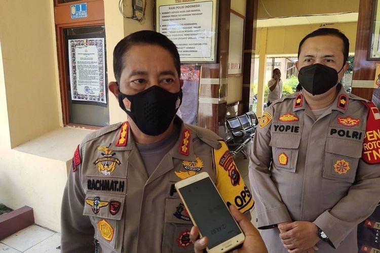 Kapolresta Banjarmasin, Kombes Rachmat Hendrawan memberikan keterangan kepada wartawan terkait PSU Pilkada Kota Banjarmasin berjalan aman dan lancar, Rabu (28/4/2021).