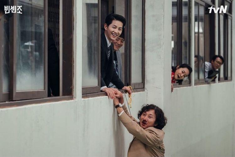 Kim Young Woong mengaku gagal fokus gara-gara Song Joong Ki