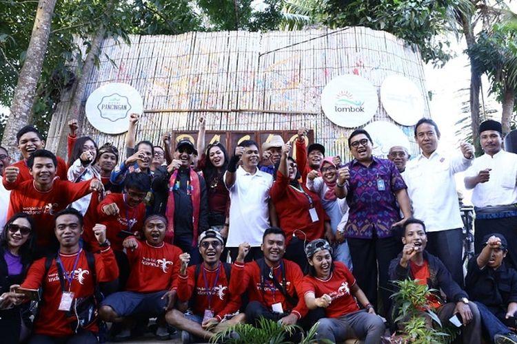 Menpar Arief juga mengunjungi Pasar Pancingan yang terletak di Desa Bilebante Kabupaten Lombok Tengah. Dalam kunjungan ke Destinasi Digital pertama kali ini, Menpar berkeliling serta berinteraksi dengan para pedagang dan para pengunjung pasar Pancingan.