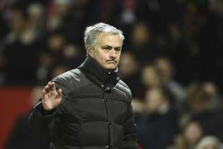 Ekspresi manajer Manchester United, Jose Mourinho, seusai laga Premier League kontra Sunderland, di Stadion Old Trafford, Senin (26/12/2016).