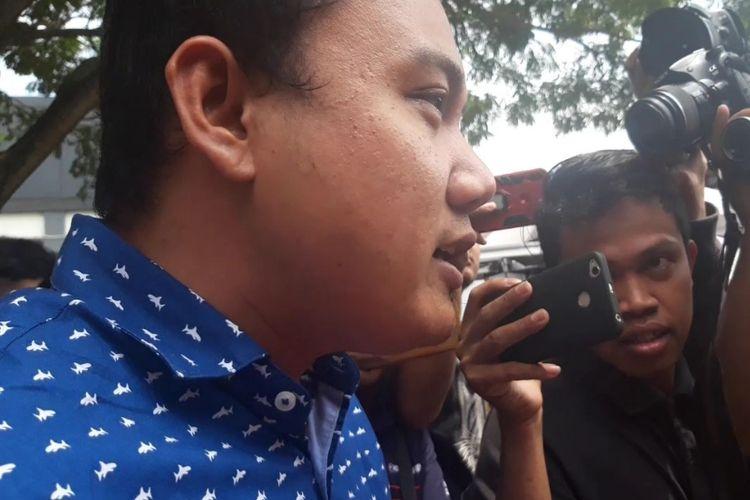Fuad Benardi usai diperiksa di Mapolda Jatim, Selasa (26/3/2019)