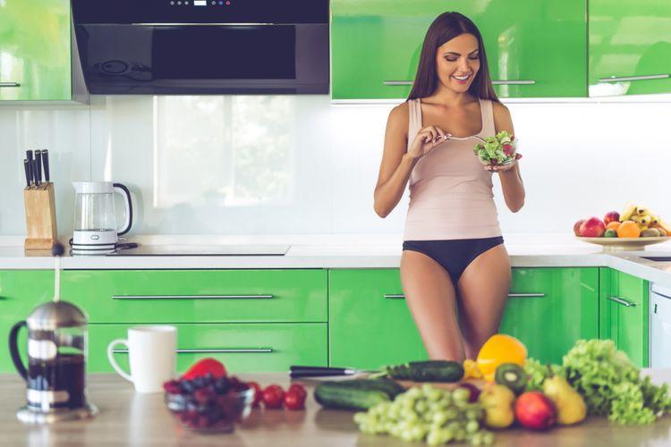 Ilustrasi menyantap buah