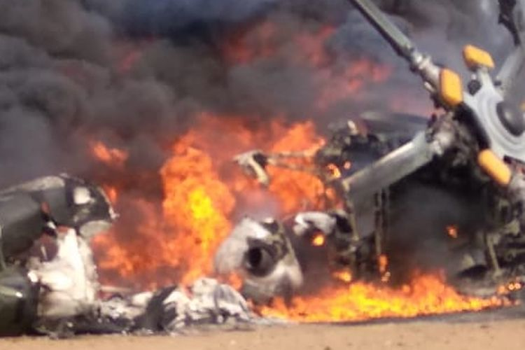 Helikopter Mi17 milik Penerbad TNI AD jatuh di Kawasan Industri Kendal (KIK) Jawa Tengah, Sabtu (6/6/2020)