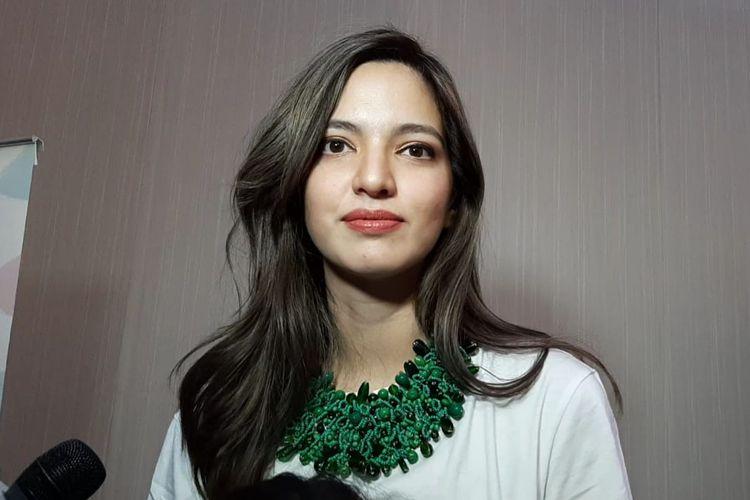 Artis peran Nia Ramadhani saat ditemui di kawasan Kuningan, Jakarta Selatan, Minggu (22/9/2019).