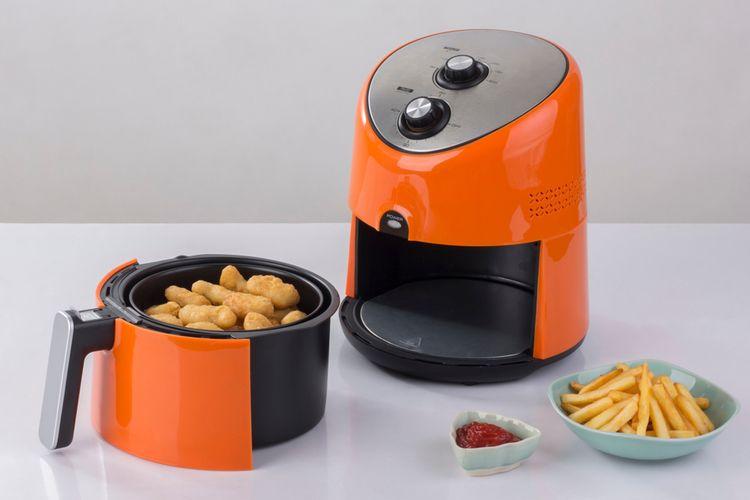 Ilustrasi air fryer, alat menggoreng tanpa minyak.