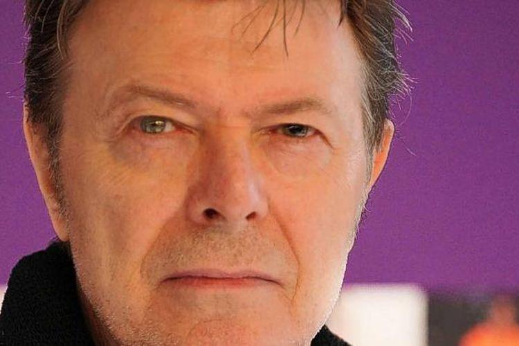 Meski matanya memiliki kelainan, ini justru menjadi salah satu pesona David Bowie.