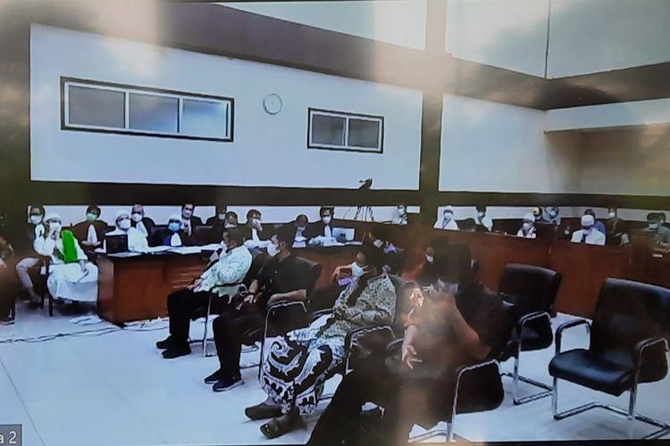 Pengadilan Negeri (PN) Jakarta Timur akan melanjutkan sidang kasus tes usap (swab test) palsu diRS UmmiBogor dengan terdakwaRizieq Shihabpada hari ini, Rabu (28/4/2021).