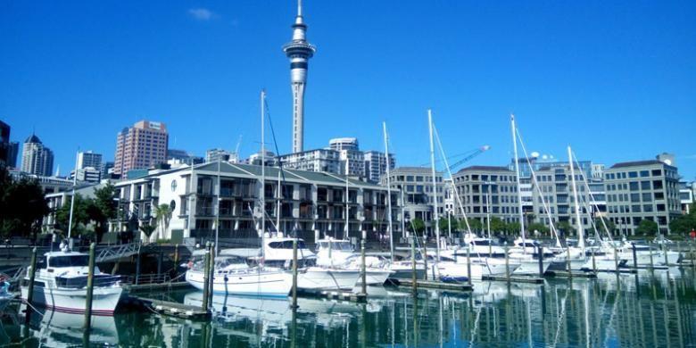 Sebagai kota, Auckland, Selandia Baru, menampilkan pelabuhan sebagai salah satu wajah kota, Sabtu (7/5/2016) lalu. Tak hanya untuk kepentingan komersil, pelabuhan juga digunakan sebagai ruang publik terbuka.
