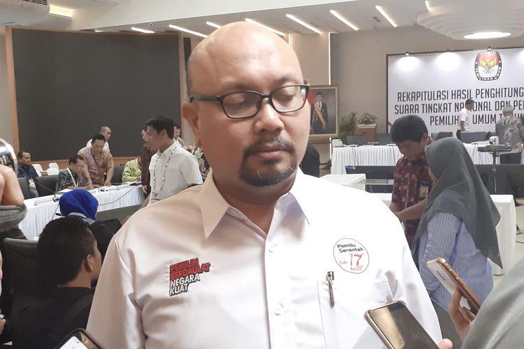 Komisioner KPU Ilham Saputra di Gedung KPU, Jakarta Pusat. Kamis (16/5/2019).