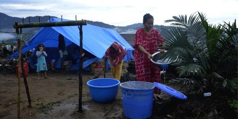 Sebanyak 3.627 KK atau 14.483 jiwa mengungsi di tiga kecamatan akibat banjir bandang di Luwu Utara, Sulsel. Bupati Luwu Utara mengatakan peristiwa itu murni bencana.