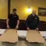 Kurir Pizza Lipat 18 Kotak dalam Waktu Semenit, Cetak Rekor Dunia?