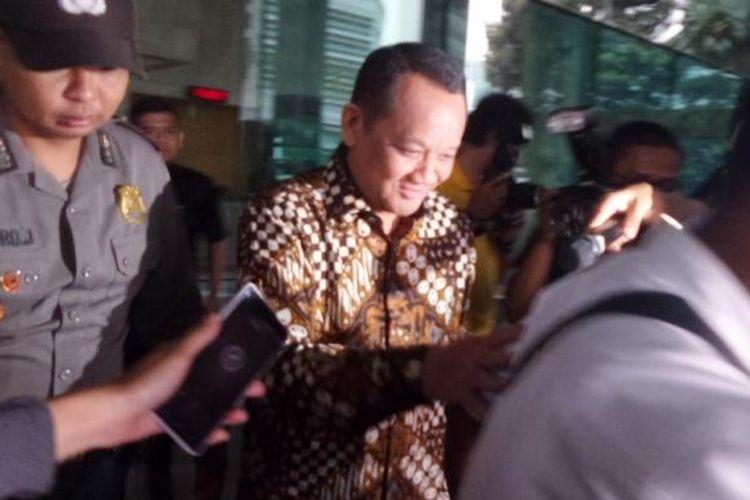 Mantan Sekretaris Mahkamah Agung (MA), Nurhadi usai diperiksa penyidik Komisi Pemberantasan Korupsi (KPK), Kamis (6/10/2016).
