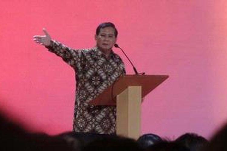 "Prabowo Subianto dalam acara bedah buku karyanya berjudul ""Masa Depan Indonesia, Bunga Rampai Tantangan Bangsa"", Kamis (30/5/2013), di Grand Sahid Hotel, Jakarta."