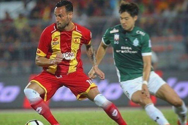 Bek PSS Sleman, Alfonso De La Cruz saat bermain di Liga Super Malaysia bersama Selangor FA.