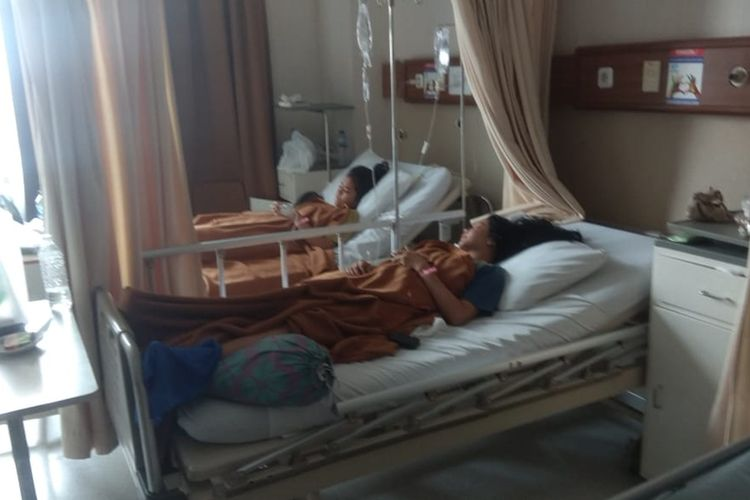 Siswa korban kebakaran SMK Yadika 6 Bekasi dirawat di Rumah Sakit Yadika, Pondok Bambu, Jakarta Timur, Selasa (19/11/2019).