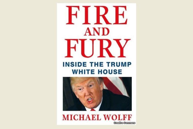 Buku karya Michael Wolff berjudul Fire and Fury: Inside The Trump White House, yang ditampilkan di situs web Amazon, Kamis (4/1/2018). (VOA)