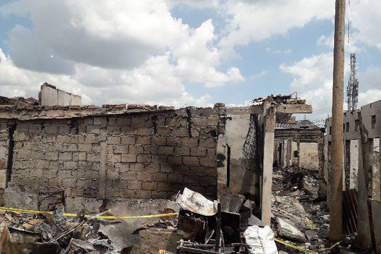 Rumah yang terbakar di Jalan Perumahan Taman Kota, Kembangan Utara, Kembangan, Jakarta Barat pada Minggu (1/4/2018).