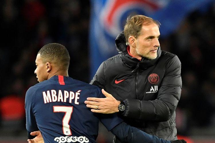 Kylian Mbappe (kiri) bersama sang pelatih, Thomas Tuchel (kanan), saat Paris Saint-Germain (PSG) berhadapan dengan Lille di Liga Perancis, 22 November 2019.