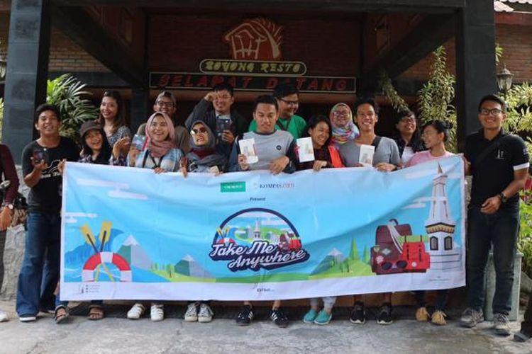 Para peserta Take Me Anywhere 2. Sebanyak 10 pemenang Quiz on Article dan Photo Competition menjelajah DI Yogyakarta, menyambangi berbagai destinasi seru yang memacu adrenalin.