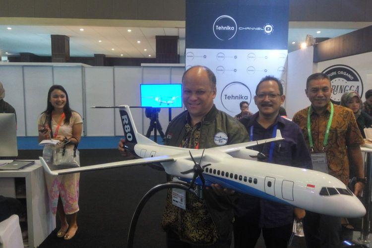 Komisaris PT Regio Aviasi Industri, Ilham Habibie saat di Jiexpo Kemayoran, Jumat (9/11/2018).