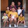 Tingkah Lucu dan Menggemaskan Anak-anak Hanung Bramantyo Tirukan Gaya Sang Ayah