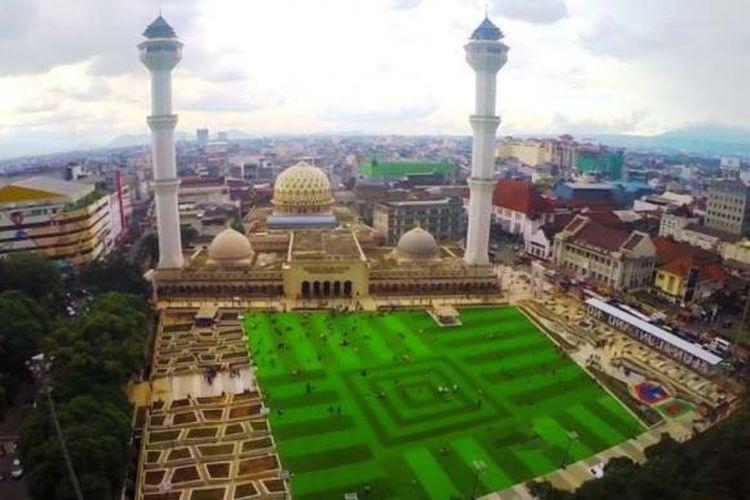 Alun-alun Bandung di lihat dari atas. Foto diambil dari Facebook Ridwan Kamil untuk Bandung.