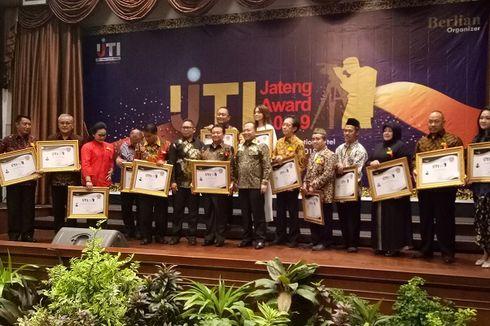 5 Dekade Berkiprah di Industri Jamu, Irwan Hidayat Raih Penghargaan dari IJTI Jateng