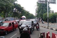 Jalur Putaran IISIP Ditutup, Jalan Tanjung Barat Macet