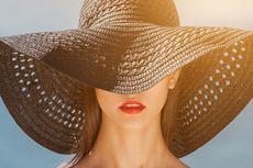 Perlukah Memakai Sunscreen di Dalam Ruangan?
